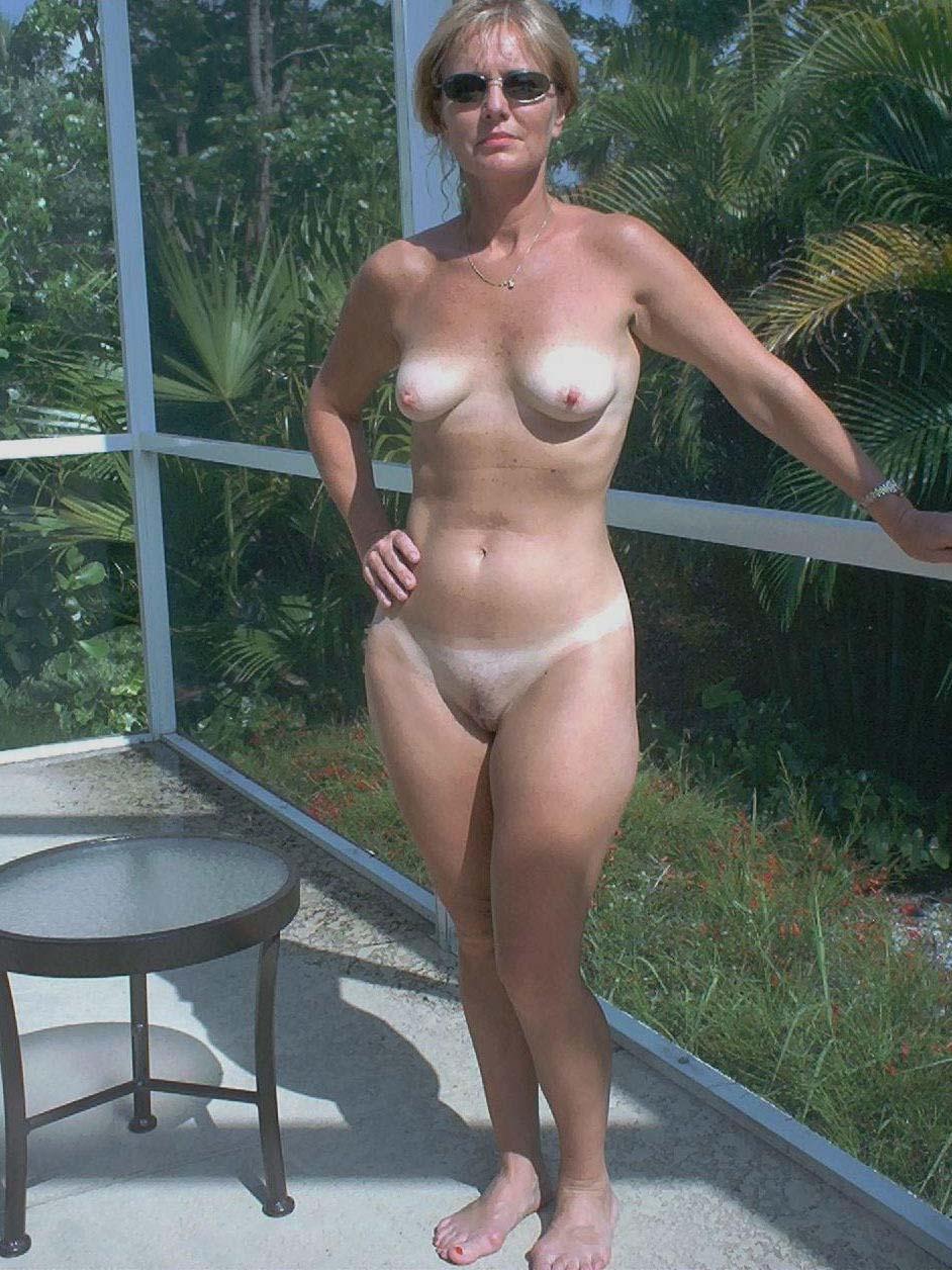 amature gone wild naked milf
